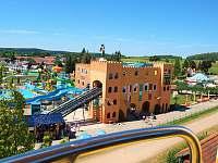 35 km od Babylonu leží zábavní park Churpfalzpark -