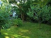 Zahrada je plná zeleně - Babylon