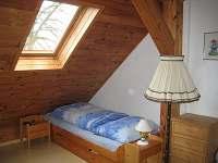 Podkrovní 3lůžková ložnice