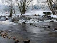 50m od chalupy splav na Vltavě s možnosti půjčení loděk - k pronájmu Lenora - Houžná