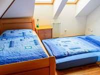 Ložnice I v 1NP+přistýlka - rekreační dům k pronajmutí Černá v Pošumaví