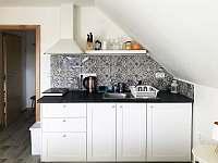 A4 - brusinka, kuchyň