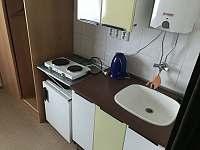 minikuchyňka na každém pokoji - ubytování Kvilda