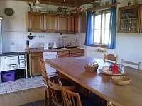 Kuchyn s jidelnou v dome - pronájem chalupy Dobrá na Šumavě