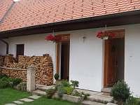 vchody do malých apartmánů - chalupa k pronájmu Pohorská Ves - Lužnice
