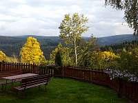 Podzimní výhled do údolí Vydry - apartmán k pronájmu Srní