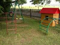 dětské hřiště - chalupa k pronajmutí Prapořiště