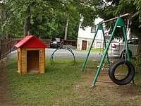 dětské hřiště - chalupa k pronájmu Prapořiště