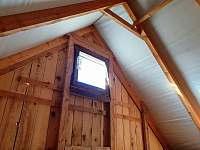 ložnice v patře - spaní - chata k pronajmutí Zelená Lhota
