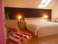 ložnice vila 204 - k pronajmutí Lipno nad Vltavou
