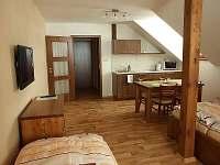 Čtyřlůžkový apartmán - chalupa k pronájmu Kvilda