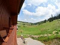 Čtyřlůžkový apartmán - výhled z balkónu - pronájem chalupy Kvilda