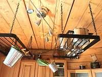 Apartmán 1 - Úložný prostor v kuchyni - k pronajmutí Nová Pec - Pěkná