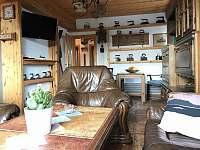 """Apartmán 1 - Výhled na naše malé """"muzeum"""" v obýváku :-) - ubytování Nová Pec - Pěkná"""