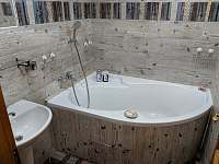 Apartmán 2 - 1. koupelna s vanou - Nová Pec - Pěkná
