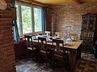 Apartmán 2 - jídelní stůl - Nová Pec - Pěkná