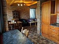 Apartmán 2 - pohled z kuchyně do obýváku - Nová Pec - Pěkná