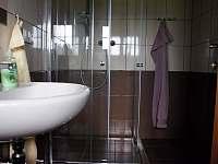 Kopelna s WC apartmánu 3 v podkroví - Stachy - Kůsov