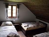Pokoj apartmánu 2 v podkroví - chalupa k pronájmu Stachy - Kůsov