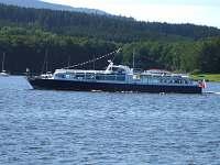 Lodní doprava na Lipně.