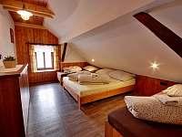ložnice podkroví - chalupa k pronájmu Chlum