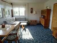 Chalupa_obývací pokoj