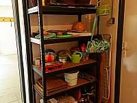 Chalupa v Pěkné - vybavení v garáži -