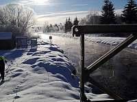 Chalupa v Pěkné - zimní Vltava -