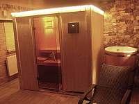pravá finská sauna a ochlazovacím sudem