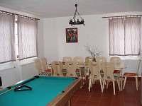 Společenská místnost - apartmán ubytování Dobrá - Stožec