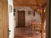 Červená kuchyň - chalupa k pronájmu Žírec