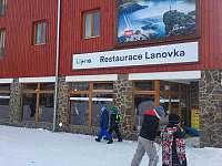 restaurace u dolní stanice ski areálu