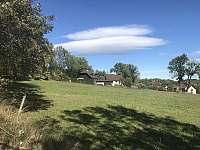 Chalupa Stachy - pohled z jihovýchodní strany -