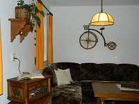 Část obýváku s gramofonem
