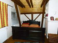 Ložnice 1 patro - chalupa k pronajmutí Budilov