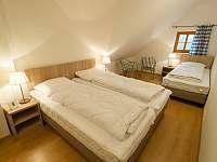 Ložnice pro 4 osoby - apartmán k pronajmutí Nová Pec - Nové Chalupy
