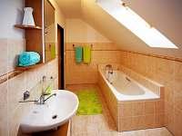 koupelna v 1. patře - Stachy
