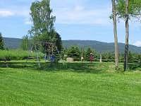 chata na Lipně - hřiště - pláž