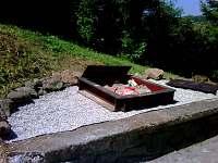 chata na Lipně - pískoviště