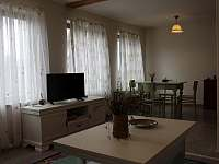 obytná místnost apartmánu Provece - chalupa k pronájmu Kašperské Hory - Trnov