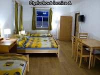 Čtyřlůžková ložnice A - apartmán k pronajmutí České Žleby