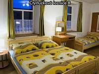 Čtyřlůžková ložnice B - apartmán k pronajmutí České Žleby