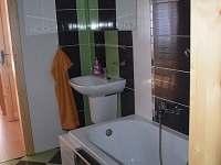 2apartmán-koupelna-vana