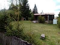 Pohled od ohniště - chata k pronájmu Mladice