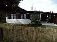 Posezení na terase - chata ubytování Mladice