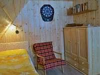 Ložnice v podkroví (3 lůžka)