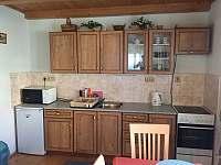 kuchyňská linka - chalupa k pronájmu Nezdice na Šumavě - Pohorsko
