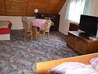 ložnice vpravo - 4 lůžka - pronájem chalupy Nespice