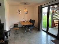 Jídelní kout - apartmán k pronajmutí Nová Pec