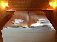 Ložnice s manželskou postelí - Malšín